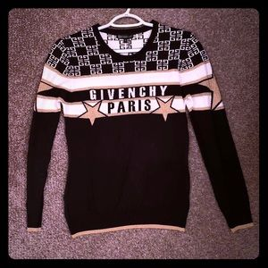 Givenchy top. Size S.